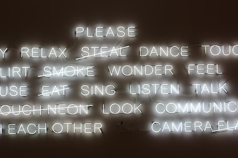 englische wörter in neon
