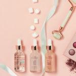 flatlay mit make up produkten