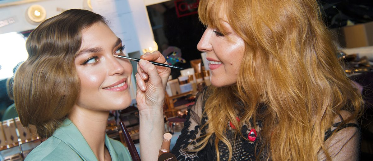 charlotte tilbury schminkt model