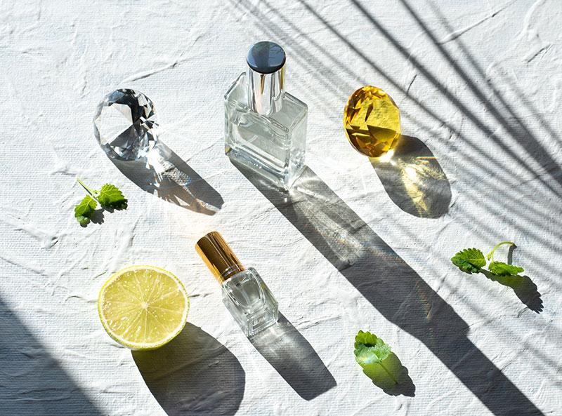 parfum flatlay