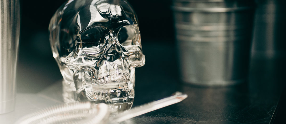 crystal head titelbild
