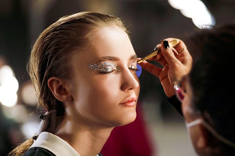 mbfw loni baur makeup glitzer