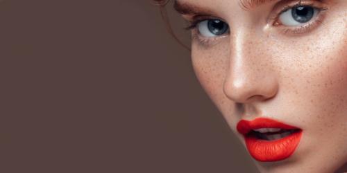 orange rot lippenstift v1