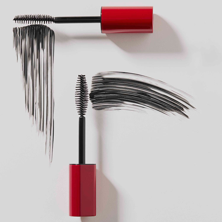 Im-Possible-Mascara-Product-Editorial-02-Flowing