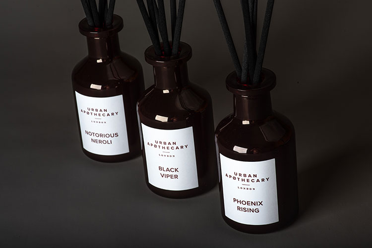 URBAN APOTHECARY Red is the new Black Linie Diffuser Mood I